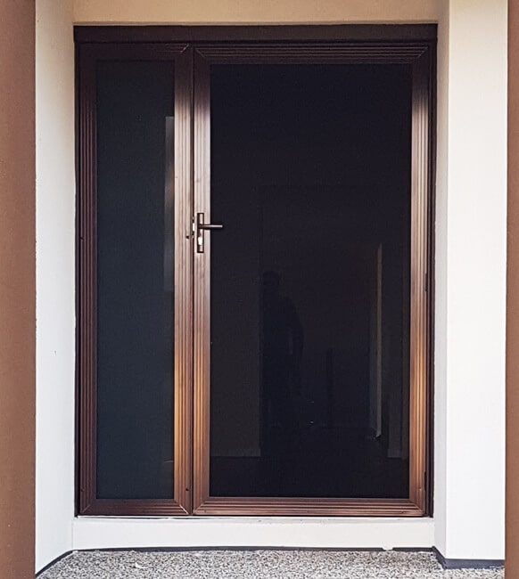 AUS-glass-door
