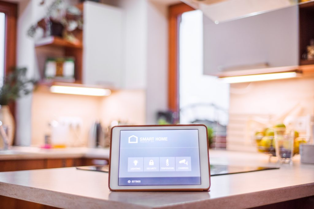 AUS-Window-tablet-with-smart-home-P2DCS5E